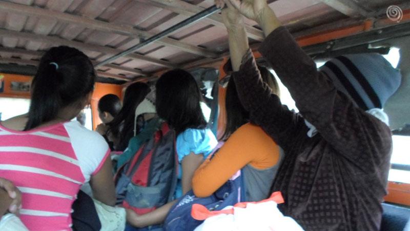 Jeepney por las cordilleras de Fiipinas