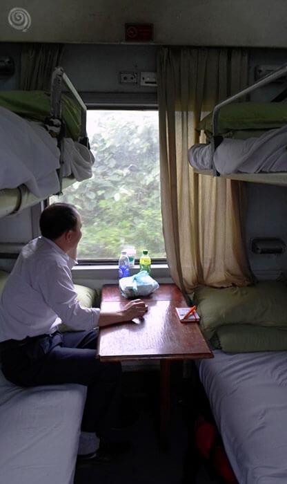 tren Vietnam Hanoi