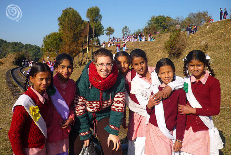 Alba Luna y chicas indias