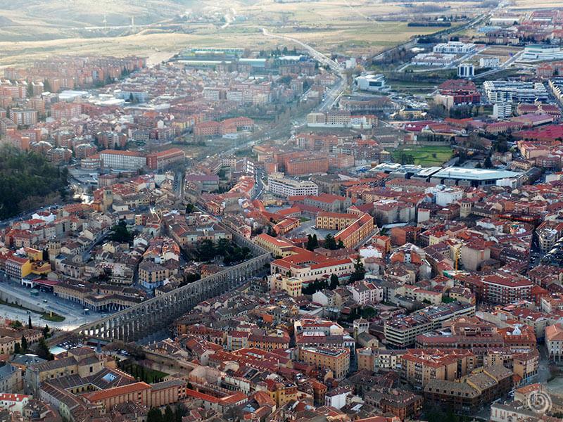 Acueducto de Segovia desde un globo aerostático