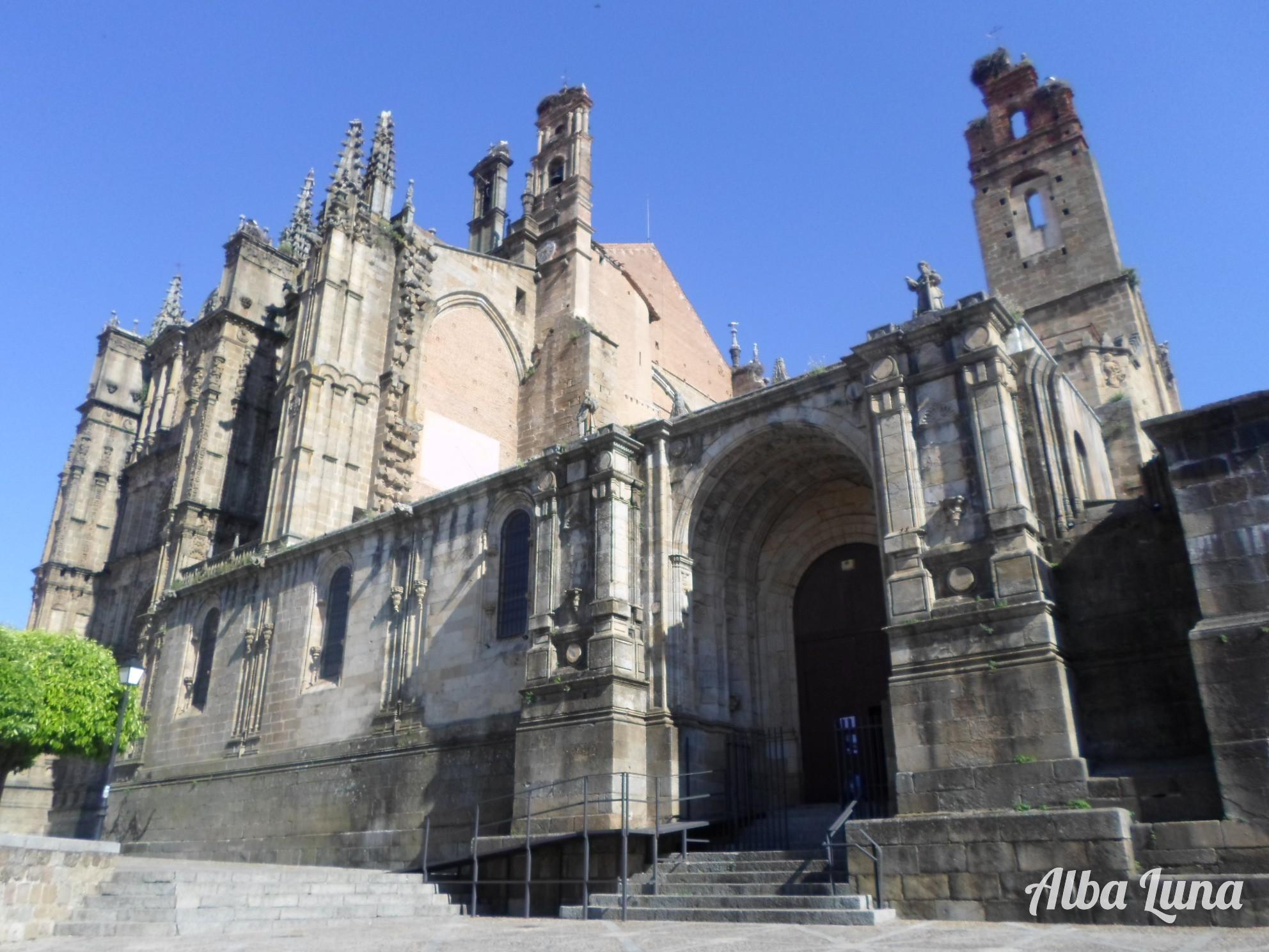 La Catedral Vieja y la Nueva, solapadas.